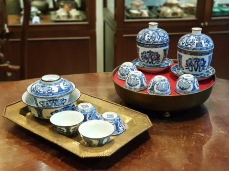 รับซื้อของสะสม ชุดน้ำชาเก่า